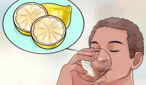 Miksi detox-juomat ovat tehokas apu painonpudotuksessa?