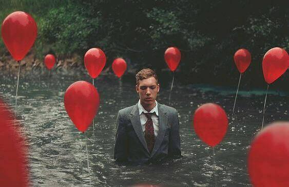 mies ja ilmapallot