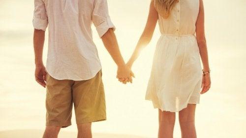 Vahva nainen haluaa tietää tarkkaan, minkälaisesta suhteesta on kyse.