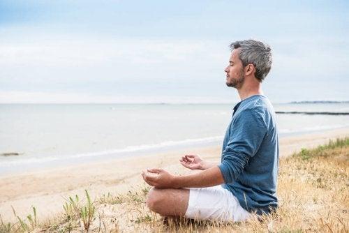 Meditaation avulla voit helpottaa ahdistusta.