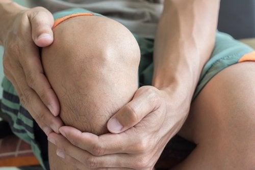 elimistön viestejä vaaroista terveydelle: nivelkipu