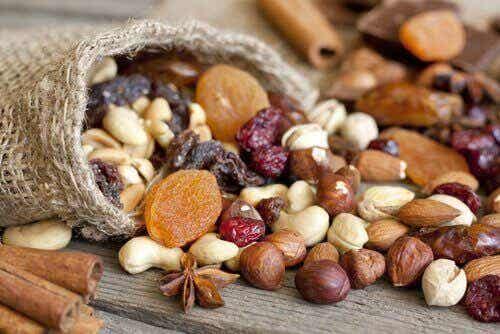 7 syytä syödä enemmän pähkinöitä