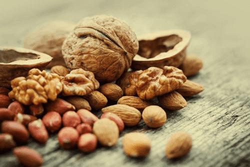 Saksanpähkinät sisältävät runsaasti antioksidantteja.