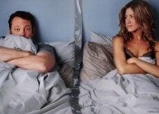 pariskunta sängyssä