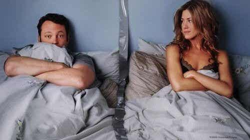 Erilliset makuuhuoneet voivat olla parisuhteessa hyvä asia