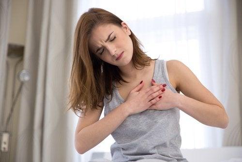elimistön viestejä vaaroista: rintakipu