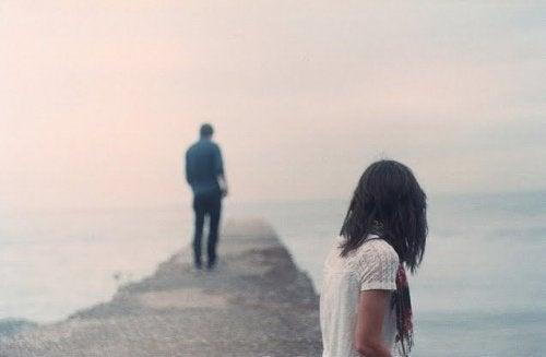 Kuinka korjata suhde uskottomuuden jälkeen