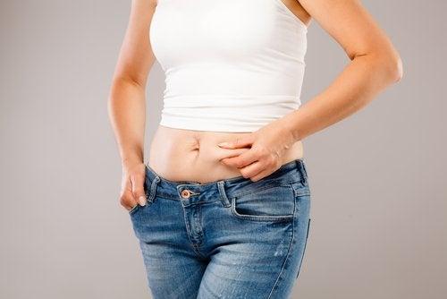 vatsarasva voi johtua hormoneista