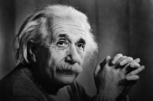 Albert Einstein menestyi