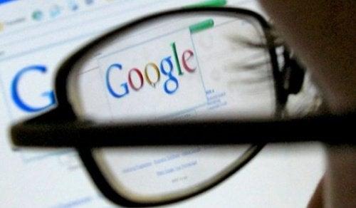 lääkäri osaa diagnosoida ilman Googlea