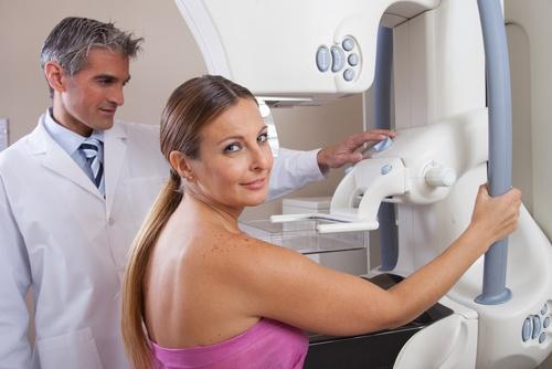 Onko edessäsi ensimmäinen mammografia? Sinun on hyvä valmistautua siihen keräämällä siitä tietoa.