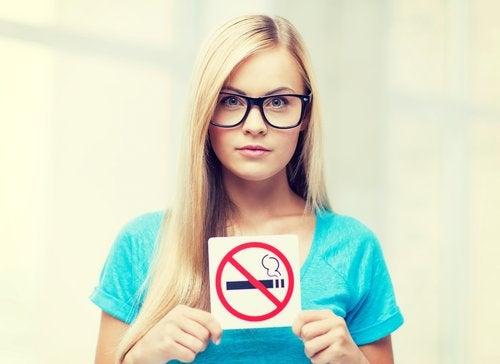 ei saa tupakoida