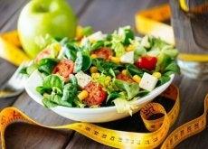 pudottaa painoa ruokavalion avulla