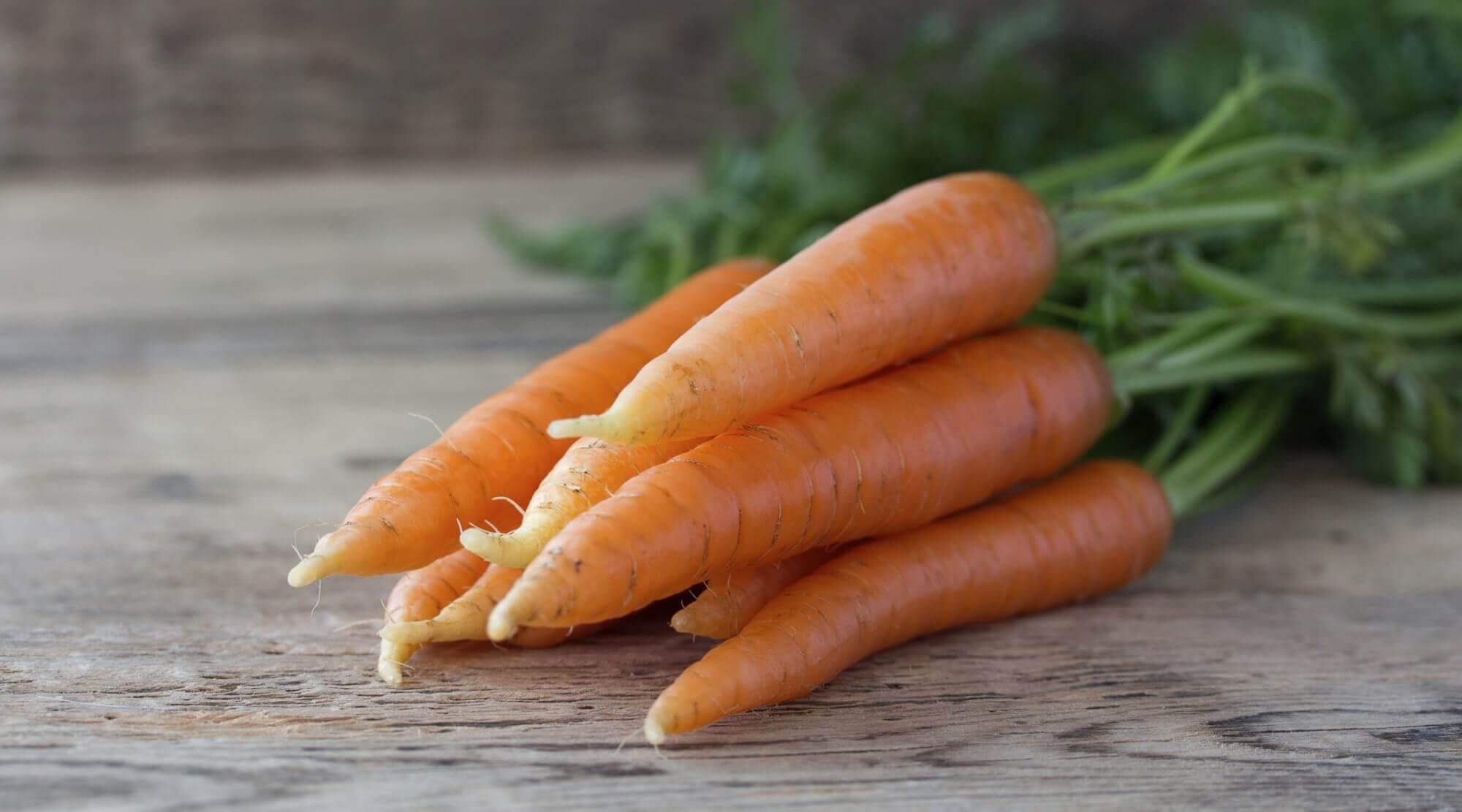 Porkkanalla on monia terveyshyötyjä.