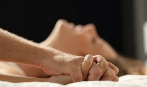 seksiä sängyssä