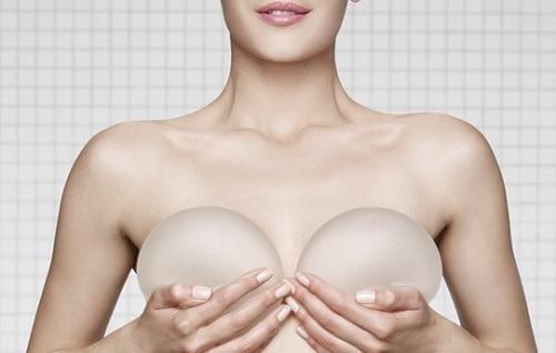 Lääkärin on tärkeää tietää, jos sinulla on silikoni-implantit.
