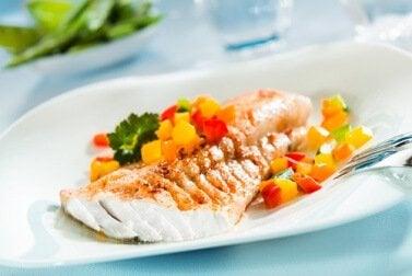 8 tapaa muuttaa ruokavalio terveelliseksi - syö monipuolisesti, mutta älä liikaa.