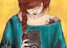 tyttö valokuvaaja