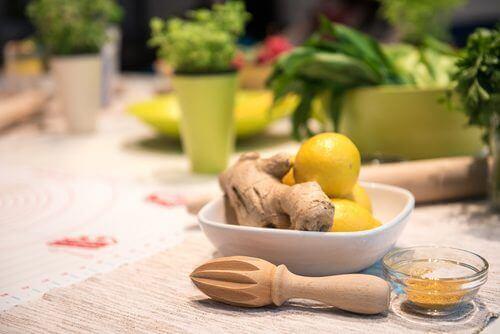 sitruuna ja inkivääri auttavat pudottamaan painoa