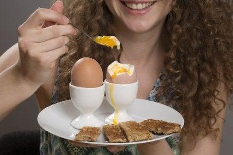 hoida unettomuutta syömällä proteiinia
