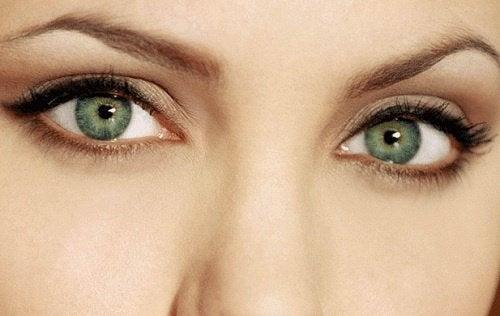 silmät ja niiden vetovoima