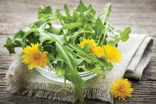 7 luonnollista diureettia, jotka kannattaa lisätä ruokavalioon