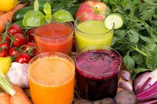 Laihdu ja paranna immuniteettia näillä juomilla