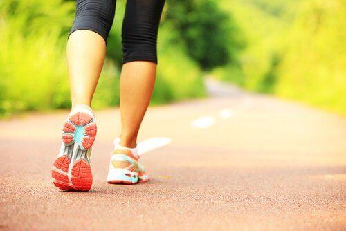 kävely kehittää sitkeyttä