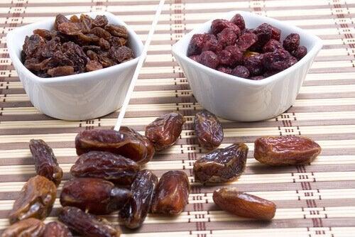 kuivatuissa hedelmissä on runsaasti kaliumia