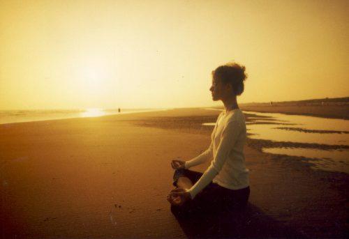 Yksi meditaation muoto on äänimeditaatio.