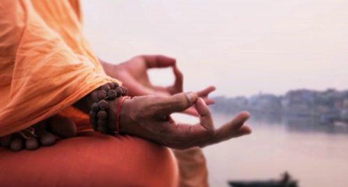 Metta- meditaatio kehittää myötätuntoa toisia ihmisiä kohtaan.