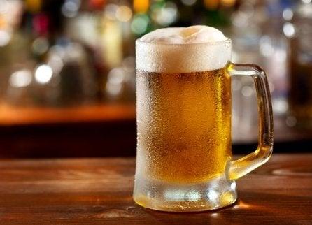 oluen juominen ja kihti
