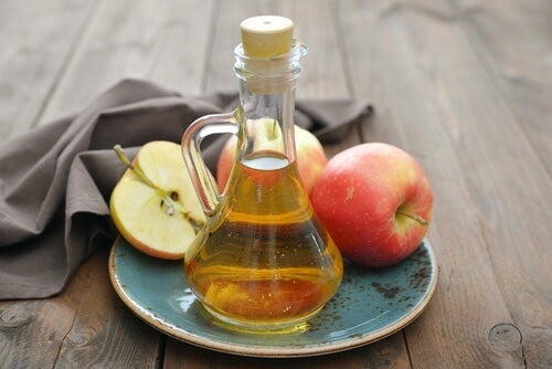 taistele kynsisientä vastaan omenaviinietikalla