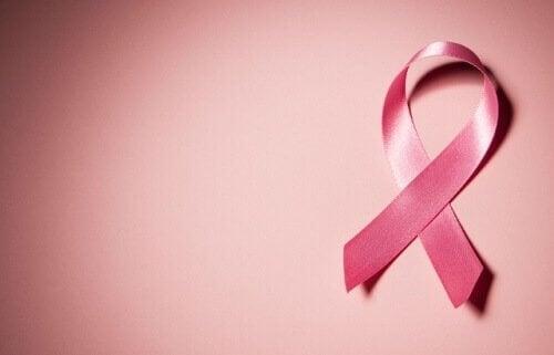 Kemoterapiassa käyville suositellaan punaisia viinirypäleitä.