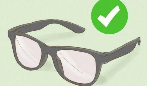 Näin pidät silmälaseista parempaa huolta – 4 vinkkiä