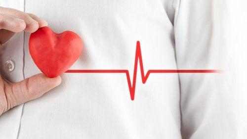 Kuinka erottaa sydänkohtaus paniikkikohtauksesta