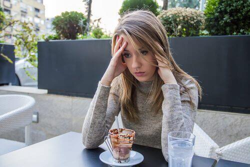 Tunnesyöminen: mitä se on ja miten sitä voi estää
