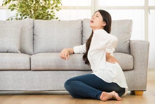 Krooninen selkäkipu voi johtua myös onnettomuuden aiheuttamasta vammasta.