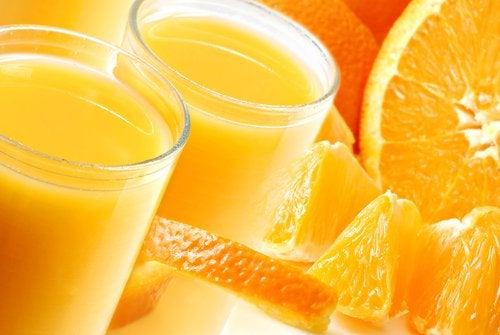 vahvista muistia appelsiinimehulla