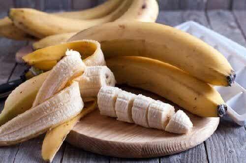 Banaanin hyöty: 6 helppoa ja kekseliästä tapaa käyttää banaania