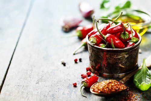 12 migreeniä pahentavaa ruoka-ainetta - chilipaprikat.