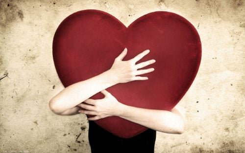 paranna itsetuntoasi halaamalla sydäntäsi