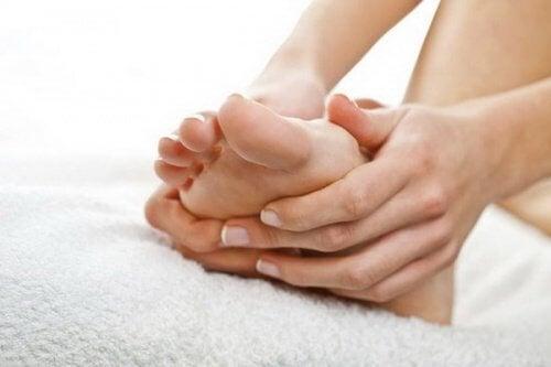 sydämen toimintahäiriö ja jalkojen turvotus