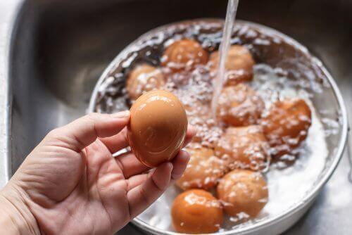 Mistä tunnistat pilaantuneen kananmunan?