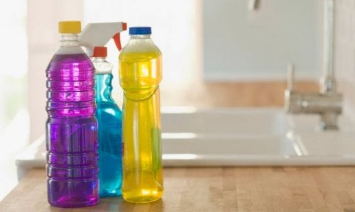 muovisia vesipulloja