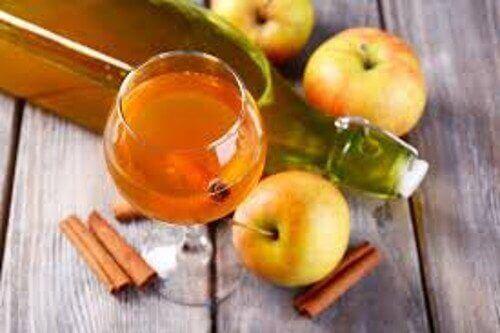 8 hyötyä ruokalusikallisesta omenaviinietikkaa päivässä
