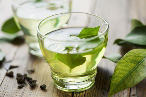 vihreä tee ja maksa