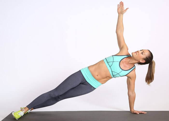 treenaa vinot vatsalihakset vastuskuminauhalla