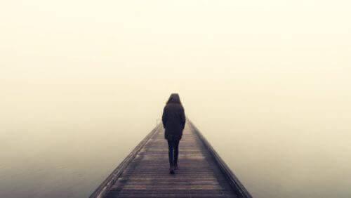 Tietoinen eristäytyminen: mitä sinun täytyy muuttaa?