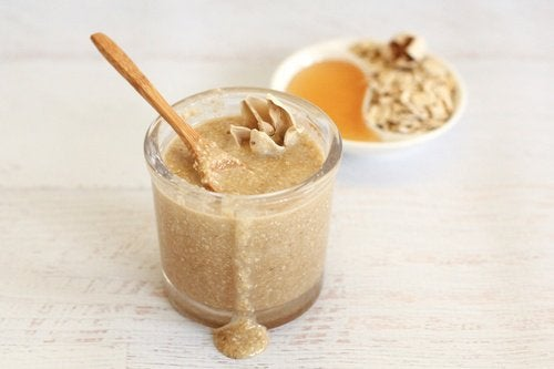 kasvonaamio hunajasta ja kaurasta